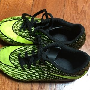 Youth Nike cleats size 1Y